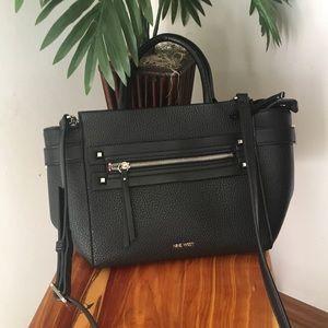 NWOT Nine West shoulder/messenger purse.